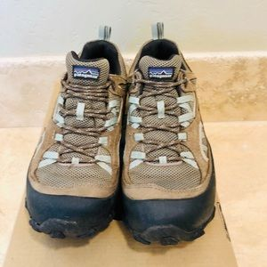 Women's PATAGONIA Hiking Shoes Size: 8.5